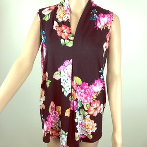 🌷🌷 floral sleeveless top 🌷🌷